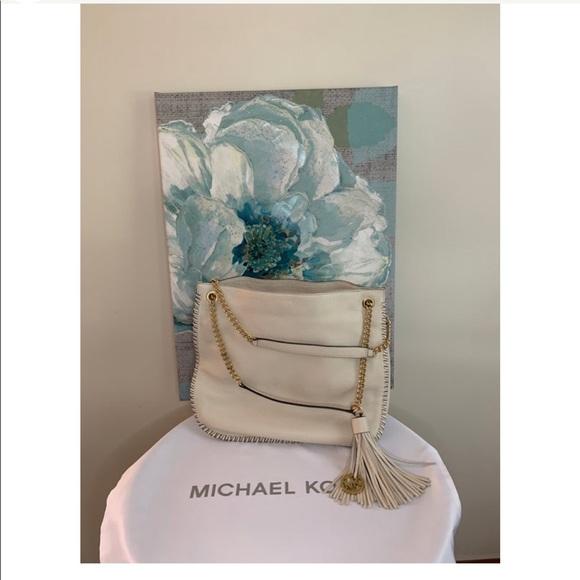 Michael Kors Handbags - MICHAEL KORS BAG 💝
